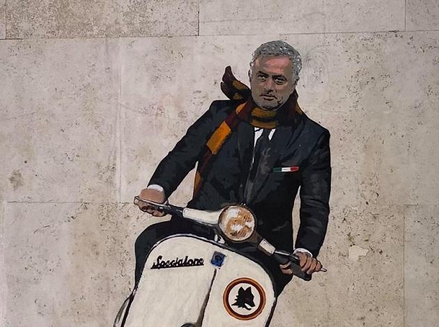 Jose Mourinho như trẻ lại kể từ ngày đến với thành Rome - Bóng Đá