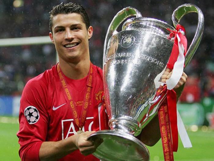 Nhìn vào hai lần ra mắt Man Utd của Ronaldo, Jadon Sancho có thể học được một điều - Bóng Đá