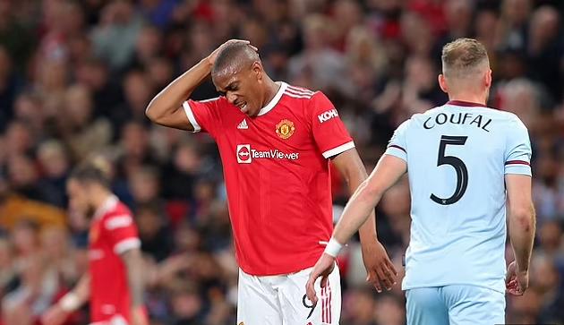 Vấn đề của Man Utd: Martial không sai, Ole mới là người sai - Bóng Đá