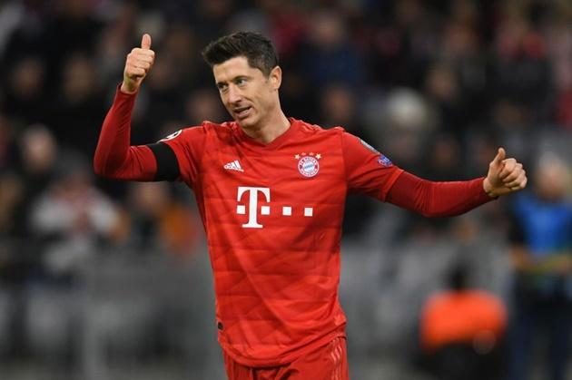 CEO Bayern ủng hộ Lewandowski phá vỡ kỷ lục của