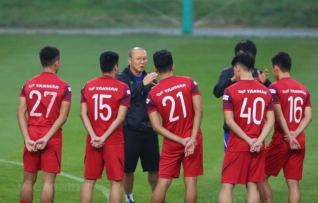 Tuyển Việt Nam hưởng lợi gì nếu V-League 2020 sớm trở lại thi đấu? - Bóng Đá