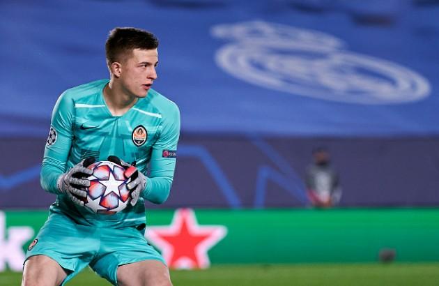 Shakhtar Donetsk keeper Anatoliy Trubin watched by Chelsea, Arsenal - Bóng Đá