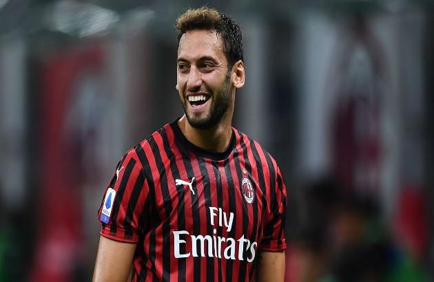 Manchester United 'say NO to AC Milan star Hakan Calhanoglu - Bóng Đá