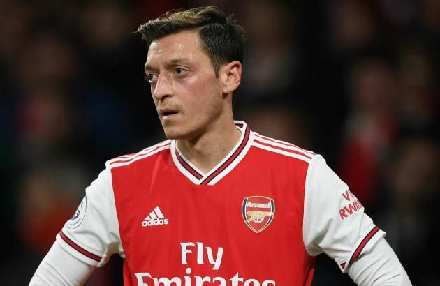 Arsenal boss Mikel Arteta admits Mesut Ozil's first-team exile 'hurts'  - Bóng Đá