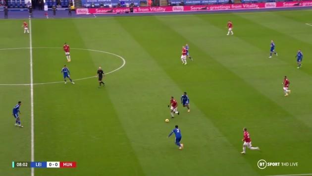 """Lucky88 tổng hợp: Martial quá đỉnh, loại bỏ """"một rừng cầu thủ"""" của Leicester trong tích tắc"""