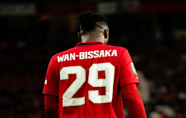 Aaron Wan-Bissaka is the only right-back in the Premier League who hasn't been booked even once this season. - Bóng Đá