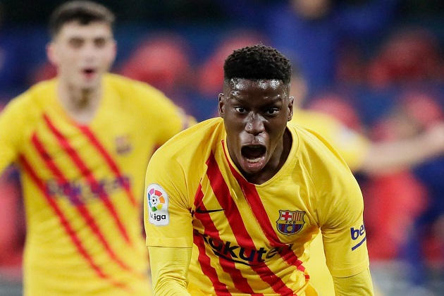Man Utd chief Murtough considers Barcelona superkid Ilaix as first signing since promotion - Bóng Đá