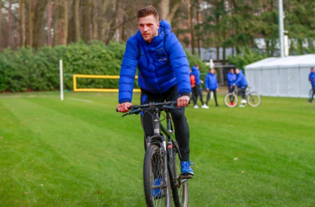 Brighton defender Veltman: We can beat Chelsea - Bóng Đá