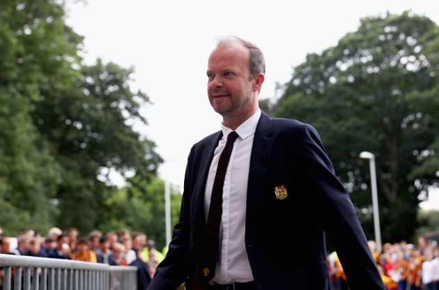 Man Utd hero Edwin Van der Sar has already delivered verdict on replacing Ed Woodward - Bóng Đá