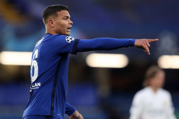 Chelsea are working to complete the agreement soon and keep Thiago Silva - Bóng Đá