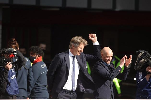 Man Utd hero Edwin van der Sar drops hint over replacing Ed Woodward - Bóng Đá