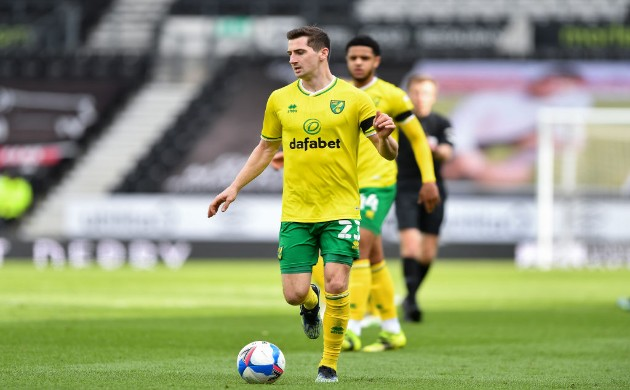 Kenny McLean said he would try to convince young Chelsea midfielder and his Scotland teammate Billy Gilmour over a loan spell at Carrow Road. - Bóng Đá