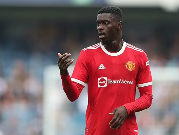 Aston Villa have emerged as serious challengers to Newcastle United for Axel Tuanzebe. - Bóng Đá