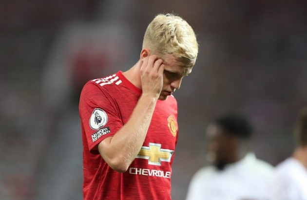 Donny van de Beek urged to end Man Utd 'disappointment' with pecking order clear - Bóng Đá