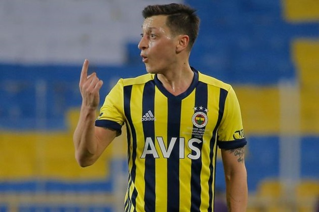 Ex-Arsenal star Mesut Ozil 'unhappy' after being benched for Fenerbahce as he is linked with MLS transfer - Bóng Đá