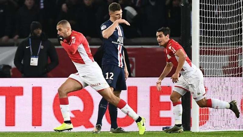 Benjamin Pavard attending PSG against Monaco at The Parc des Princes last night. - Bóng Đá