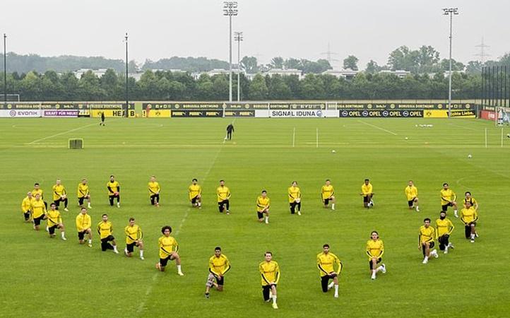 Borussia Dortmund stars join Jadon Sancho in support of the Black Lives Matter movement - Bóng Đá