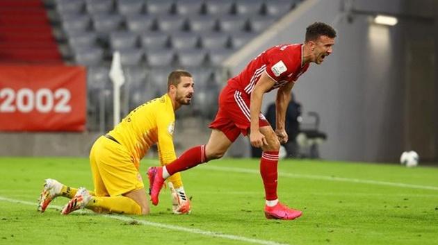 Ảnh sau trận Bayern - Frankfurt - Bóng Đá