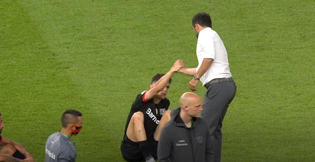 Sếp lớn Bayern thực hiện động thái gây bất ngờ trên sân, báo hiệu việc Bayern nổ