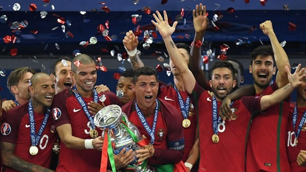 Ronaldo vượt mốc 100 bàn và top 10 khoảnh khắc đáng chú ý nhất ở ĐTQG - Bóng Đá