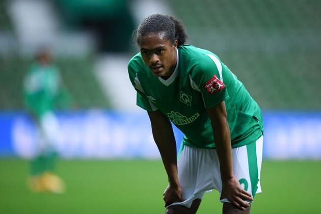 Tahith Chong impresses from the bench for Werder Bremen as he forces a controversial late penalty - Bóng Đá