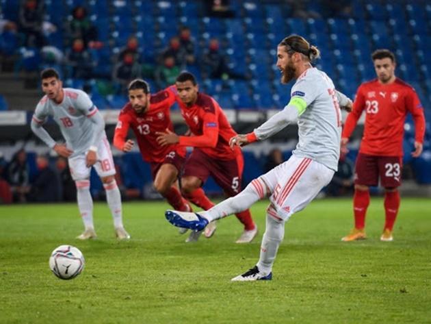 Spain boss Luis Enrique defends record-breaker after two penalty misses - Bóng Đá