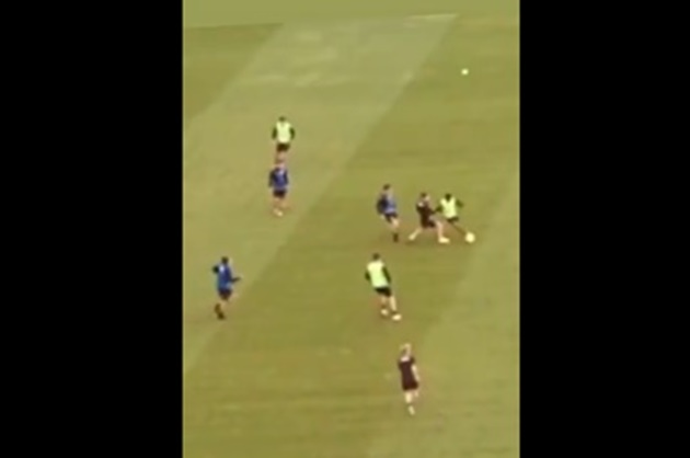 Manchester United new-boy Amad Diallo showcases Lionel Messi-esque dribbling in training - Bóng Đá