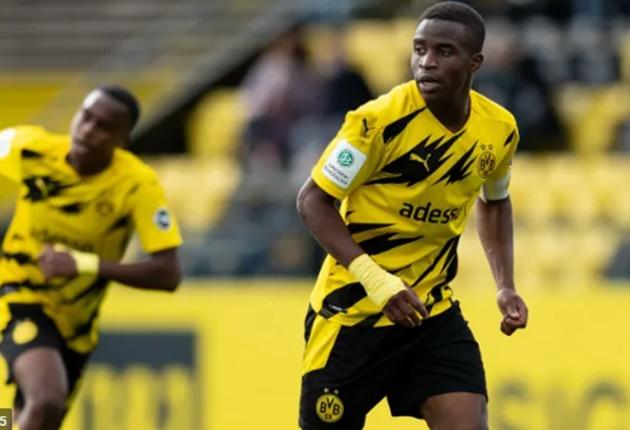 Sau Haaland, Dortmund trình làng thêm