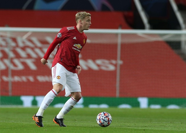 Paul Scholes names Donny van de Beek's best position for Manchester United - Bóng Đá