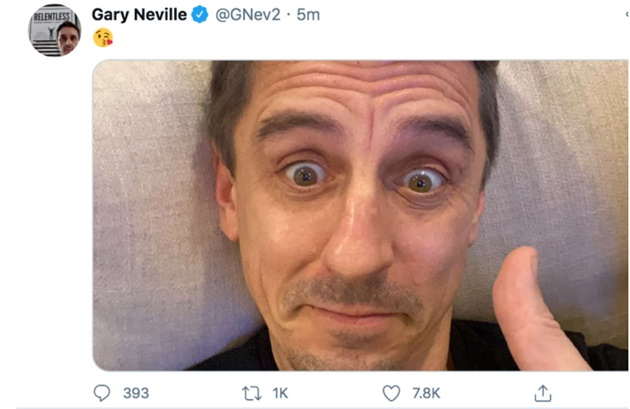 Gary Neville reacts to late VAR drama in Liverpool FC's 1-1 draw at Brighton - Bóng Đá