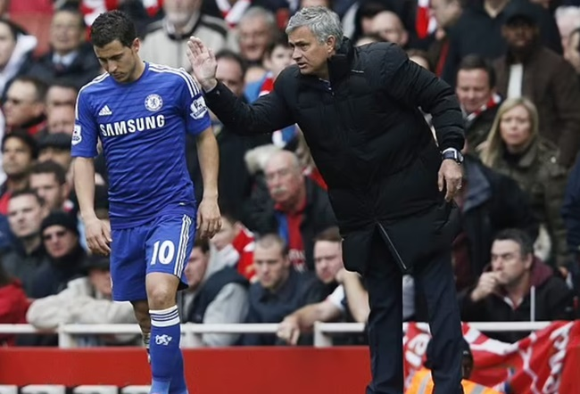 Jose Mourinho claims Eden Hazard 'doesn't work much' and is 'AWFUL' in training - Bóng Đá