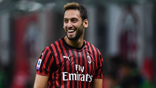 Hakan Calhanoglu is set to join Inter from AC Milan - Bóng Đá