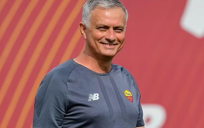 Vừa đến Roma, Mourinho đưa