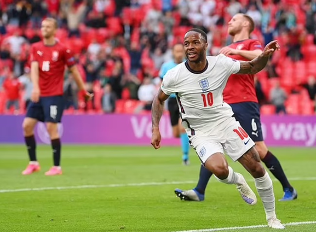 John Stones chỉ ra cầu thủ xuất sắc nhất EURO 2020 - Bóng Đá