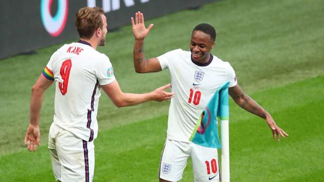 Trước thềm chung kết, Ferdinand lựa chọn cầu thủ hay nhất EURO 2020  - Bóng Đá