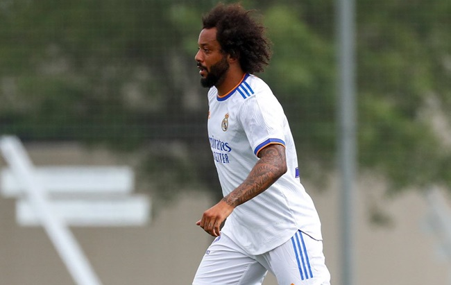 Marcelo ở lại Real - Bóng Đá