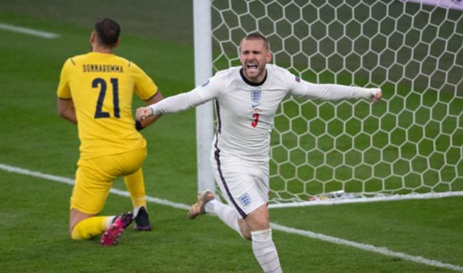 Carlos đánh giá Shaw hay nhất Euro 2020 - Bóng Đá
