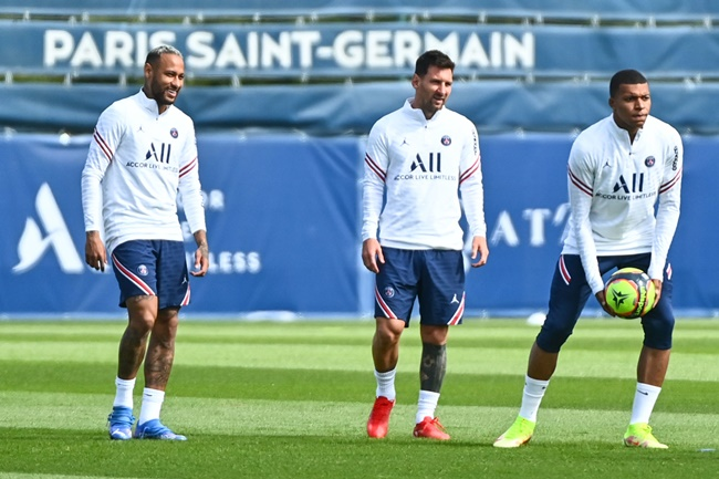Mbappe in squad to face Reims amid Real Madrid interest - Bóng Đá