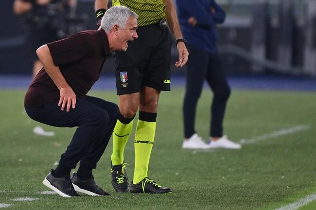 Mourinho cảm xúc sau trận đấu 1000 - Bóng Đá