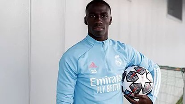 Mendy suffered a new injury before the game vs Celta - Bóng Đá