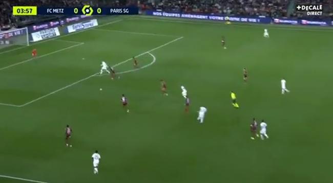 Neymar toát rõ đẳng cấp nhờ vào đường chọc khe kinh điển - Bóng Đá