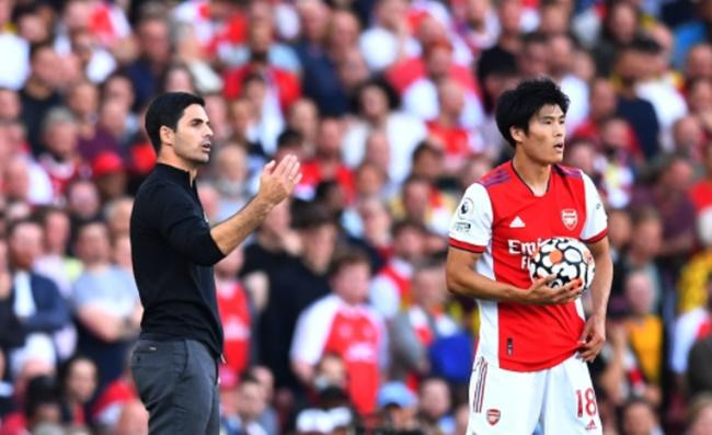Tomiyasu mang lại sự khác biệt cho hàng thủ Arsenal