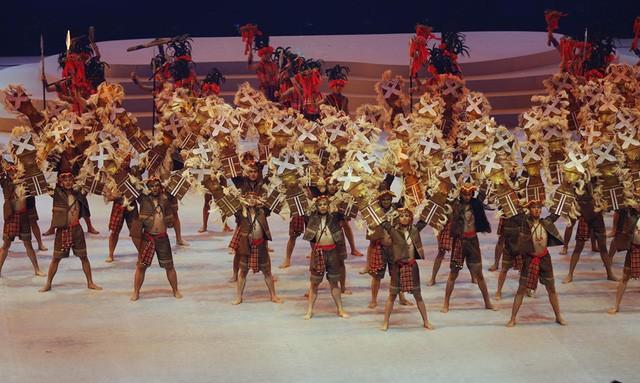 Khai mạc SEA Games 30: Văn hóa, màu sắc và người đẹp - Bóng Đá