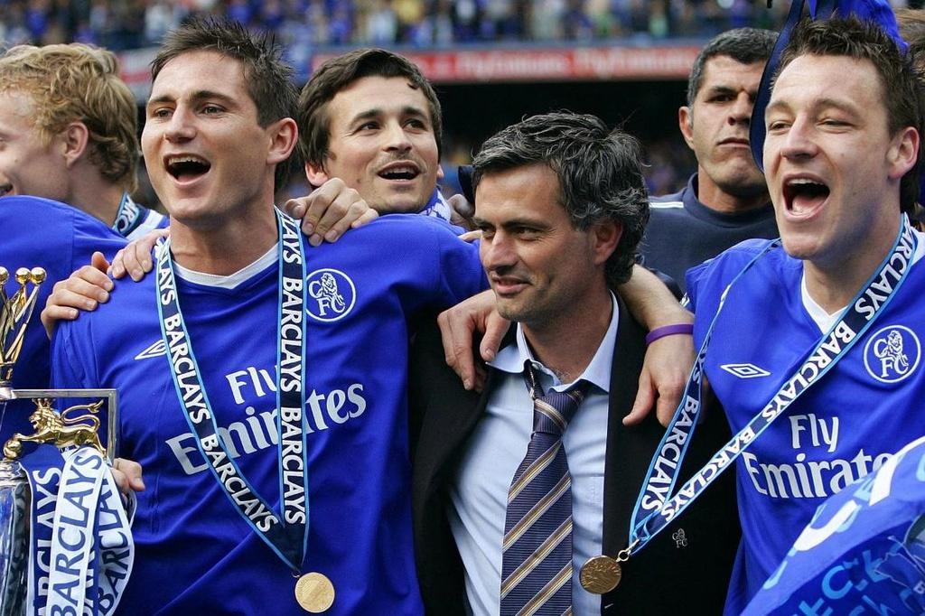 Mourinho từng bị cả Real Madrid và Barca dè bỉu - Bóng Đá