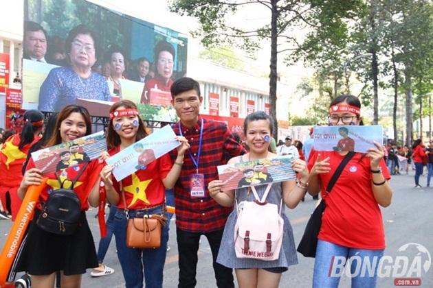 Người hâm mộ TP.HCM háo hức chờ giao lưu tuyển U23 Việt Nam - Bóng Đá