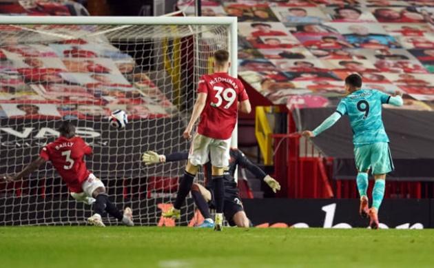 5 điểm nhấn Man Utd 2-4 Liverpool: Khoảng trống chết người; Domino sụp đổ - Bóng Đá