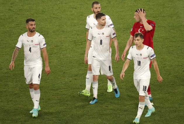 Trung vệ Juve phản lưới nhà, 'tặng' Ý bàn thắng đi vào lịch sử EURO - Bóng Đá