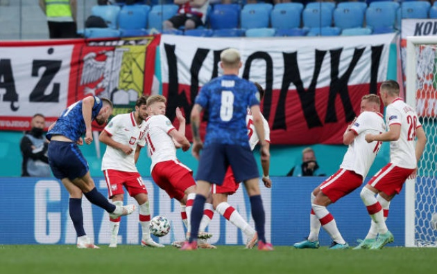 Nhiệt tình thành thảm họa, Ba Lan 'phơi áo' trước Slovakia - Bóng Đá