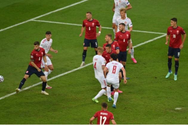 5 điểm nhấn CH Czech 1-2 Đan Mạch: Thảm họa phòng ngự; Vua phá lưới EURO - Bóng Đá