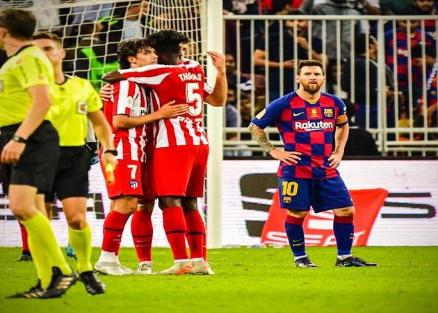 Messi laments Barca's childish mistakes in Super Cup defeat - Bóng Đá